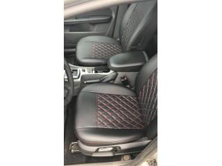 Ford Focus 2 - Черный ромб с двойной красной отстрочкой